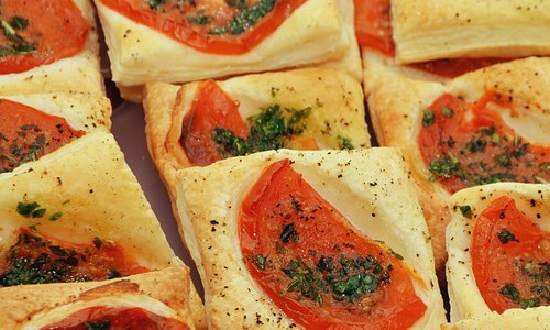 Pepper and Tomato Tartlets with Basil Pastry